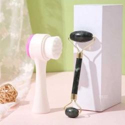 ¡Bonito día! ✨¿Ya tienes tu kit de limpieza para consentir tu piel? <3 encuentra el tuyo con nosotros y disfruta de la limpieza y el cuidado en nuestro rostro. ✨